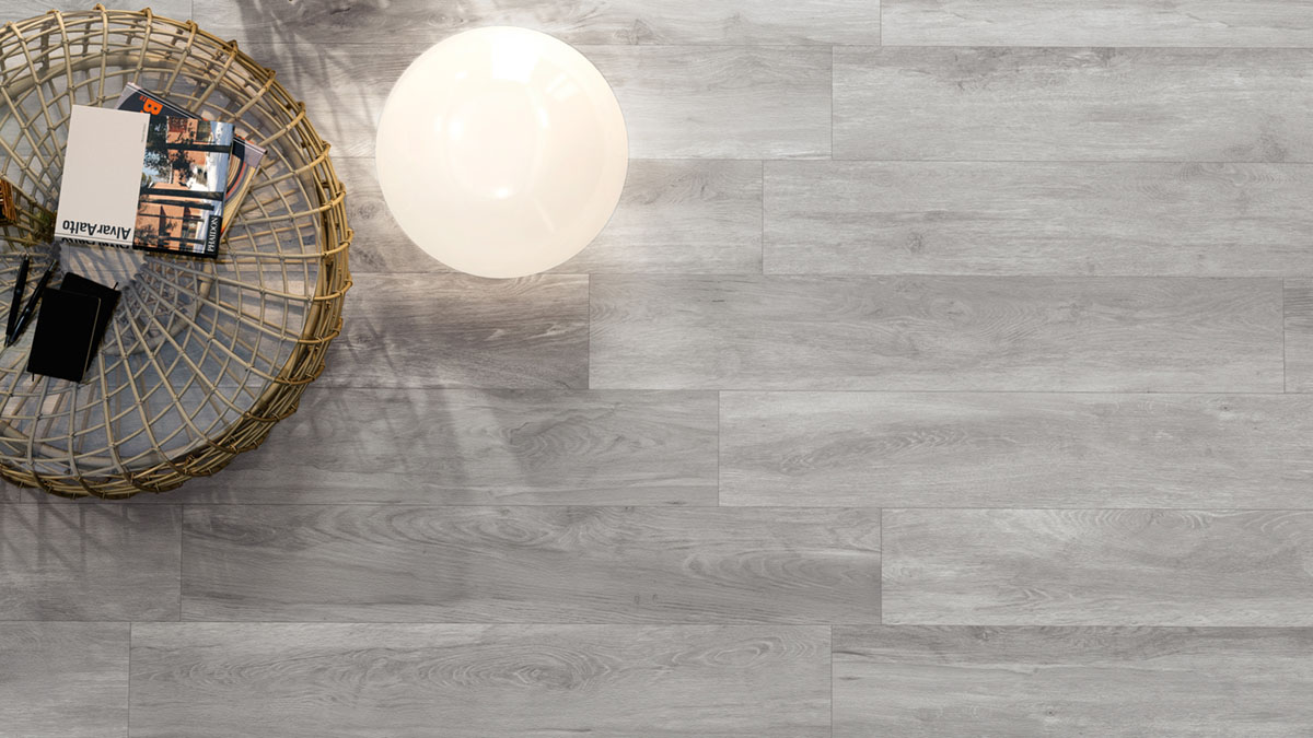 Large-Format-Porcelain-Tiles-Staggered